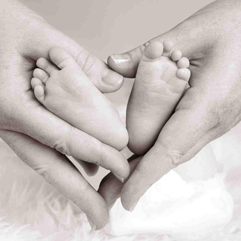 Ideas para comprar marcos con huella bebe para regalar