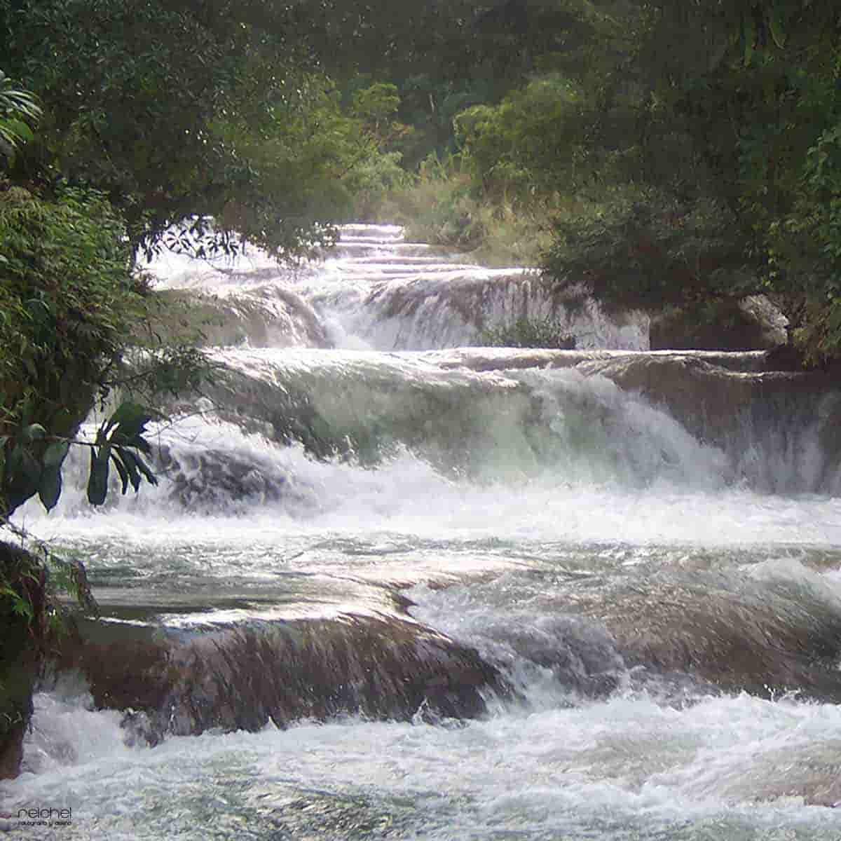 cascada aguas azules chiapa mexico