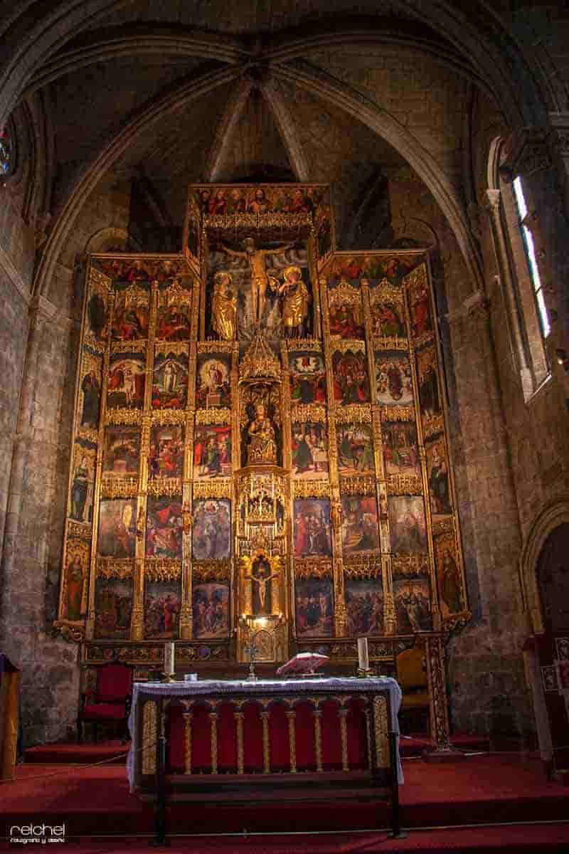 interior de santa maria la real olite