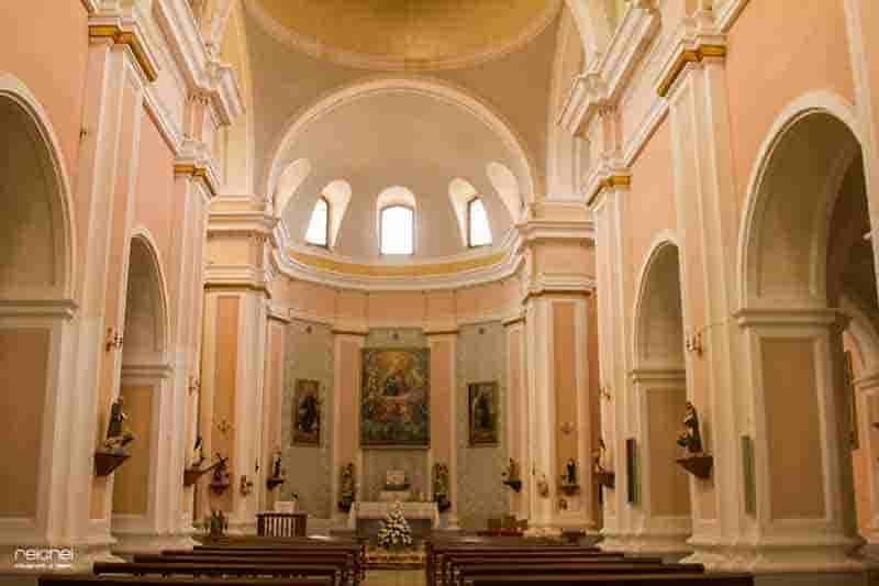 interior de la iglesia de nuestra señora de la assuncion