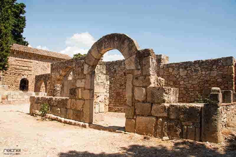 interior monasterio de santas creus