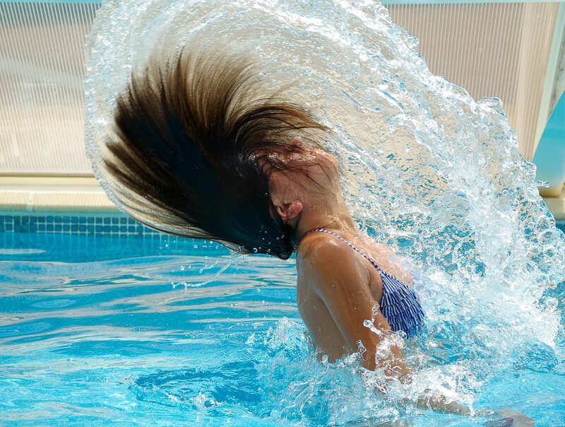 movimiento del pelo en el agua